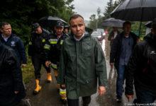 Photo of Andrzej Duda odwiedził tereny dotknięte ulewami