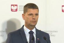 """Photo of Piontkowski: w strefach """"czerwonej"""" i """"żółtej"""" mogą być dodatkowe obostrzenia ws. powrotu do szkół"""