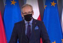 Photo of Niedzielski: hasło zostań w domu nie obejmuje chodzenia do lekarza