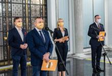 Photo of Rafał Komarewicz złożył w Sejmie rezolucję w sprawie zakazania prezentowania treści drastycznych w przestrzeni publicznej